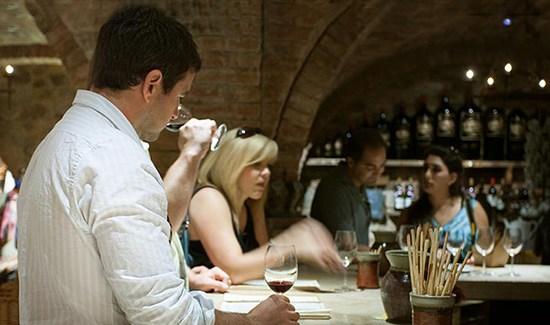 wine-tasting-in-calistoga